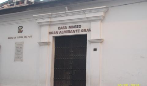 """Miguel Grau y Seminario""""Peruano del Milenio""""Héroe máximo del Perú."""