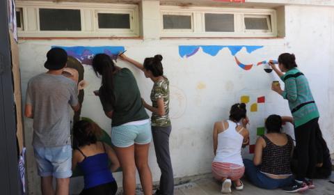 1- Los alumnos de ambas escuelas trazan el croquis del diseño